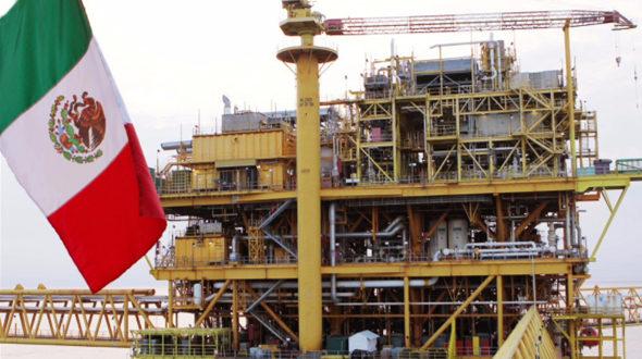 Reconocen a Pemex por emisiones de deuda en el extranjero