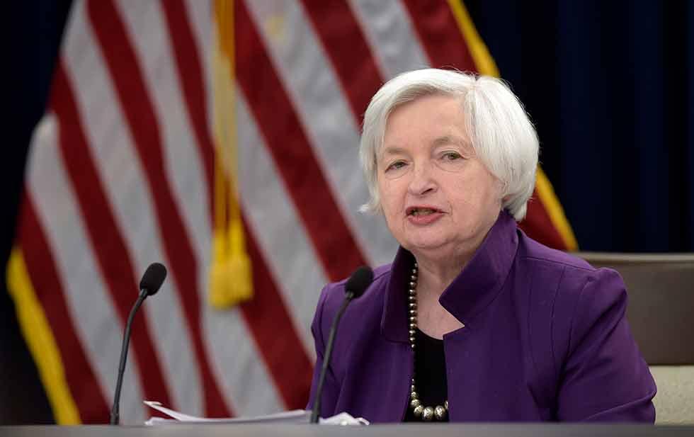 Aún se analiza si hay que hacer cambios a regulación de la bolsa: Yellen