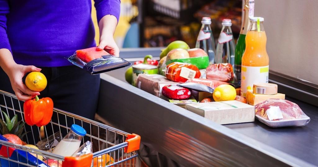 Consumo privado rebota con avance de 0.7% en junio, minoristas, Covid