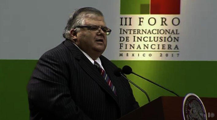 Agustín Carstens, gobernador de Banxico habla sobre inflación histórica