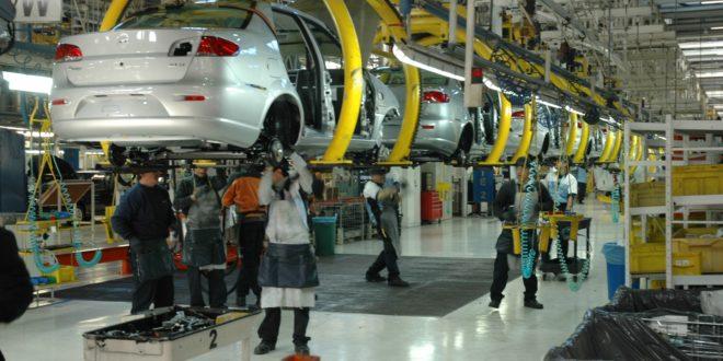 Se recuperan indicadores laborales de sector manufacturero en julio, senadores