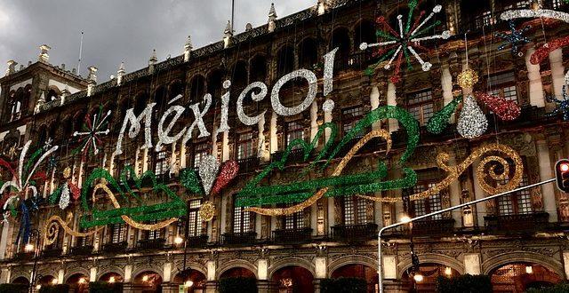 CDMX, MEXICO, CIUDAD DE MÉXICO, SEPTIEMBRE FESTEJO, USO DE EFECTIVO