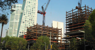 Firma AMPI convenios de inversión con inmobiliarias de EU