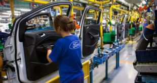 Ford tiene accidentada producción en México en abril, cayó 31%