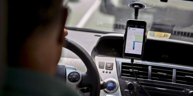 Uber activa funciones de seguridad que incluyen llamada al 911, impuestos