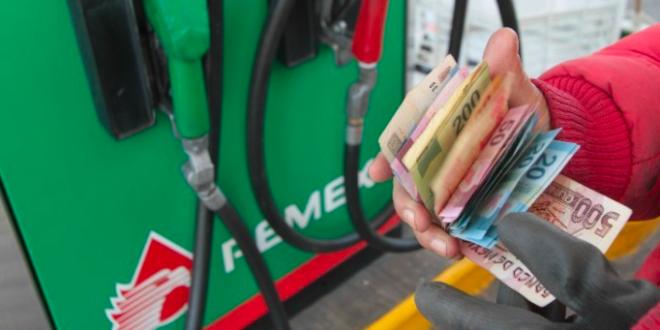 Consideran contadores que IEPS a gasolinas se deben reducir gradualmente