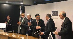 Firma CNH, Pemex Exploración y Petrofac contrato de extracción