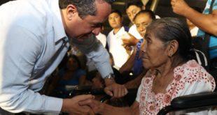 Brinda Q. Roo mejores servicios de salud, Joaquín