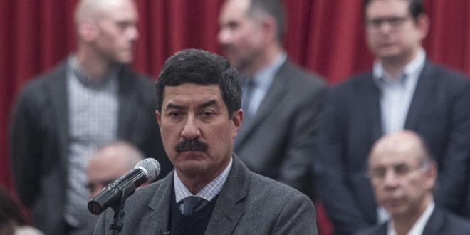 Corral se deslinda del proceso de selección de candidatos al Senado por el Frente