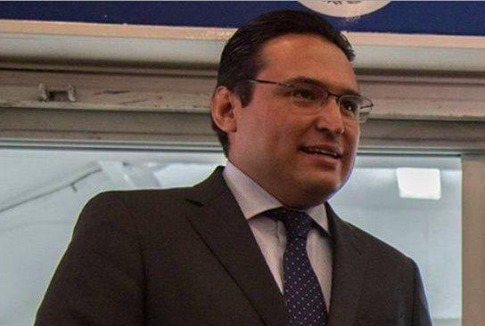 Mantener sano desarrollo del sector financiero, reto de Bernardo González