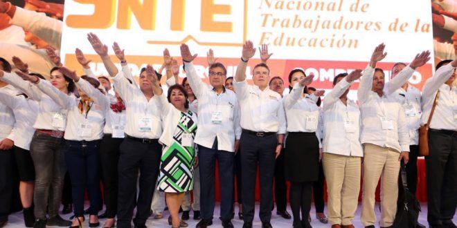 Maestros reeligen a Juan Díaz como su presidente