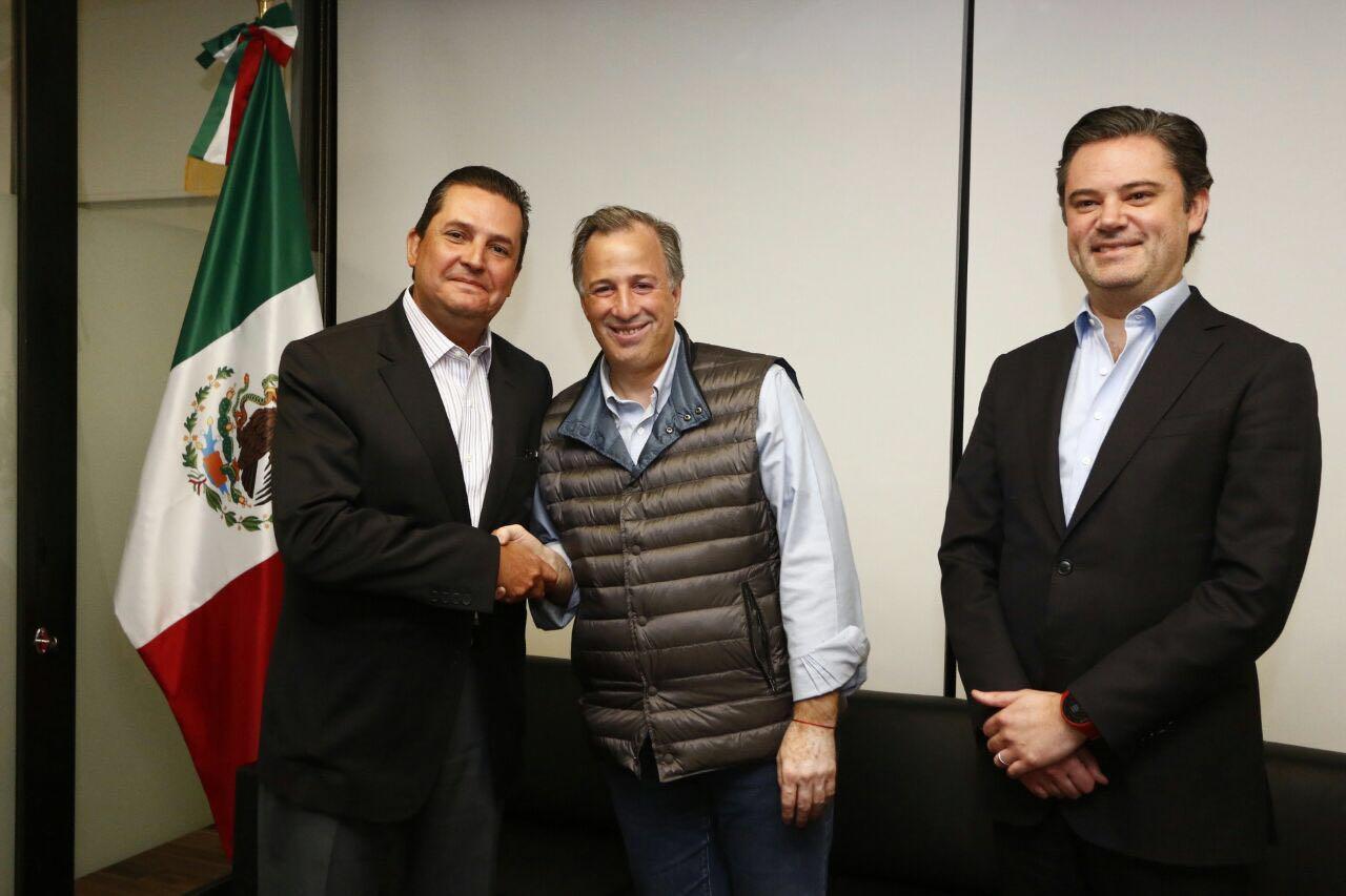 Equipo de Meade sigue creciendo; se suma Francisco Guerrero Aguirre