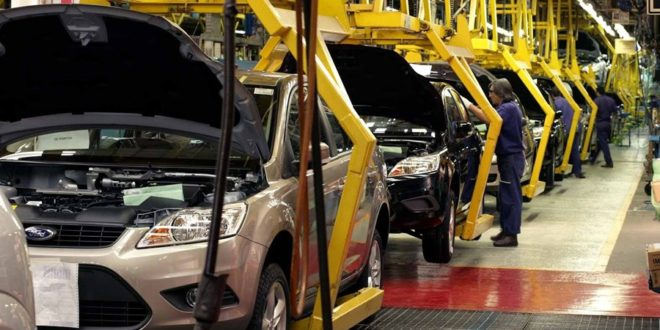 EU suspende temporalmente aranceles a autos europeos