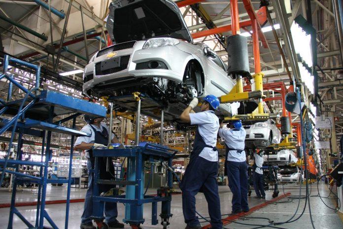 Producción y ventas de automotriz se frenan estrepitosamente en marzo, automóviles, Concamin, autos, Fitch