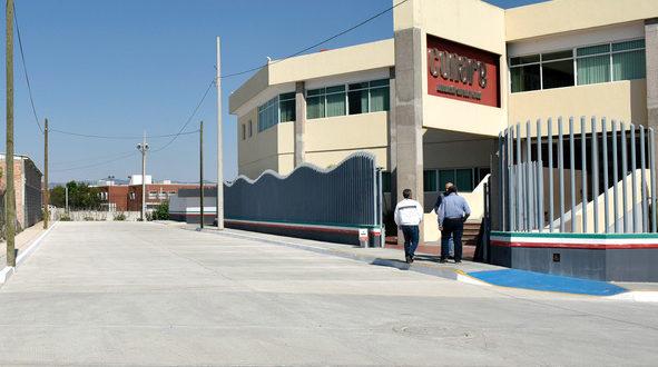 Supervisan rehabilitación de calles y edificios institucionales en SLP