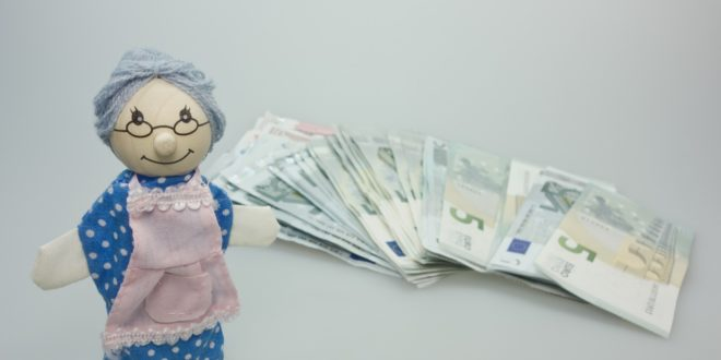 Pensión universal para adultos mayores aumentará conforme a inflación, asegura AMLO