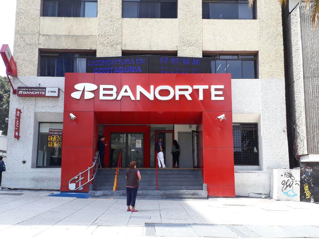 Accionistas de Banorte votaron contra compra de Interacciones