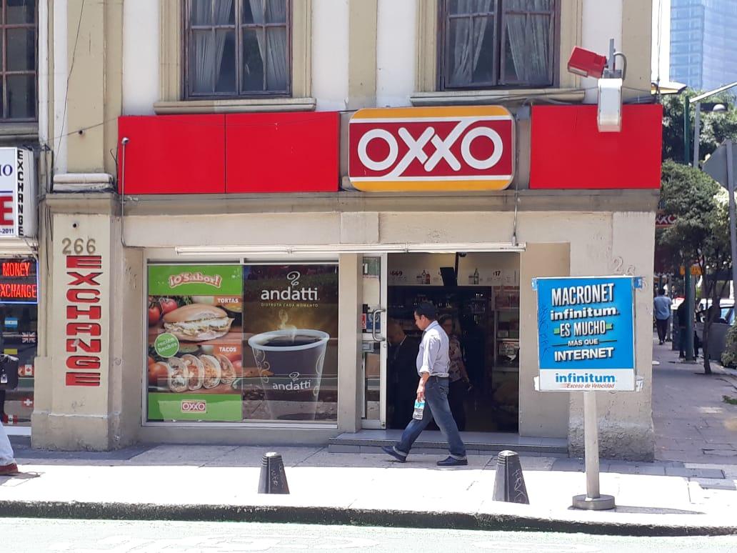Femsa prepara el terreno para tiendas Oxxo en Brasil