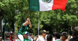 Así celebraron la victoria de México en el Ángel (Galería)
