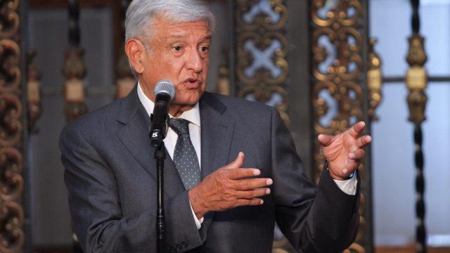 AMLO buscará reunirse con Papa y líderes de DH para lograr paz en México