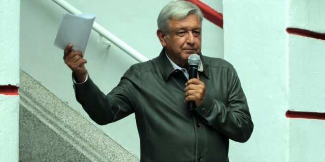 Consejeros del INE actuaron de mala fe, asegura AMLO tras multa