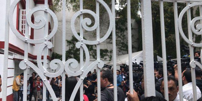 López Obrador ordena atención a ciudadanos que asisten a su oficina