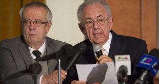 Entrega Jiménez Espriú dictamen sobre el NAIM a ingenieros