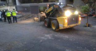 Deslave sepulta 3 autos en Bosques de las Lomas