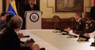 Acusa Maduro a Santos de atentado en su contra