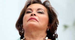 Absuelven a Elba Esther de lavado de dinero y delincuencia