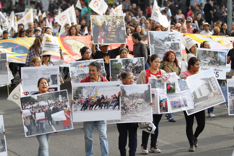 Llevan damnificados sus demandas al Zócalo