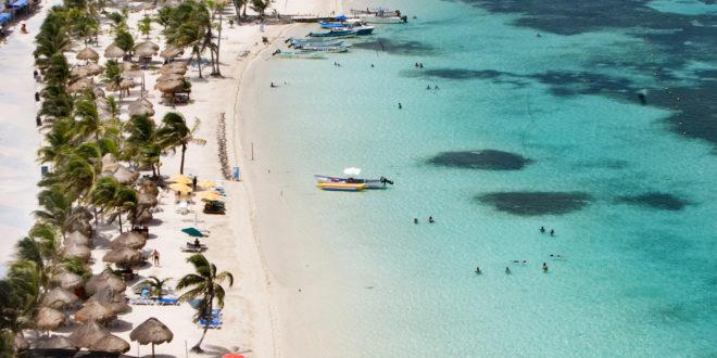 Cayó turismo internacional 13.1% en agosto: INEGI
