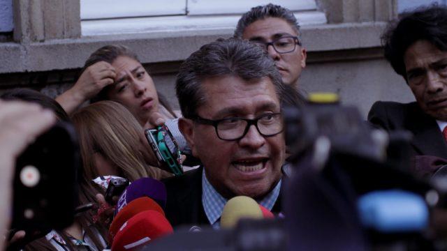 Iniciativa contra comisiones bancarías seguirá adelante: Ricardo Monreal