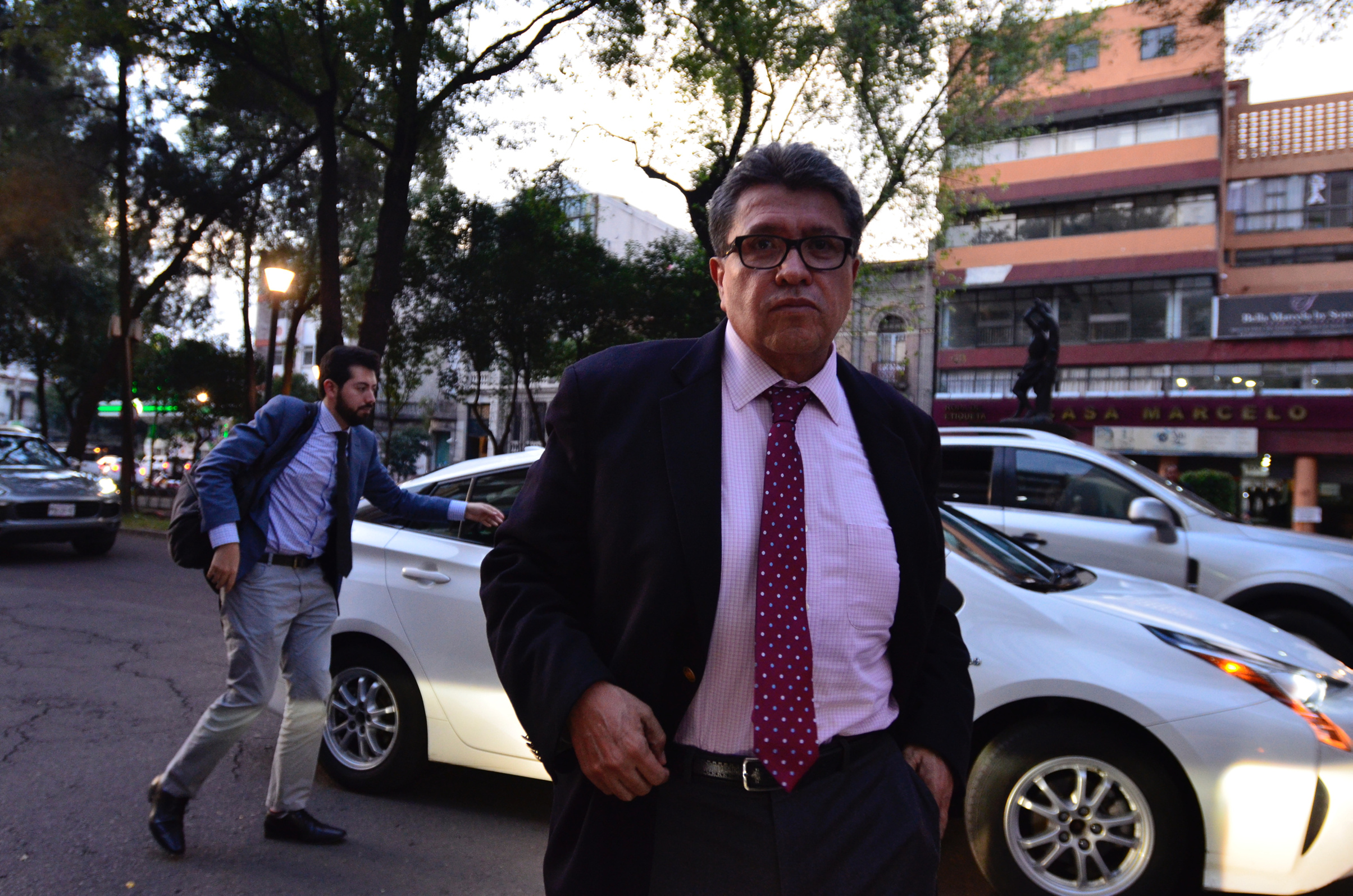 No habrá déficit en el diseño de presupuesto: Ricardo Monreal
