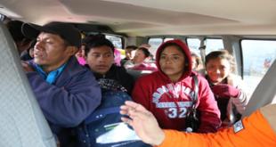 Autoridades de Cd. Juárez trasladan a migrantes a albergue; los resguardan del frío