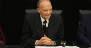 Alejandro Gertz Manero es elegido Fiscal General de la República
