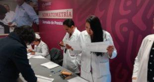 México sufre escasez de médicos; faltan 123 mil, reveló AMLO
