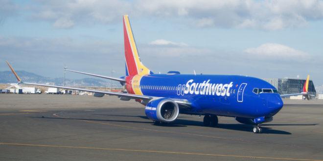 Boeing actualiza software de vuelo de 737 MAX ; promete más seguridad