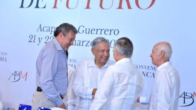 Banqueros y López Obrador reviven al tigre