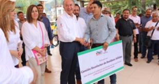 Brinda gobierno de SLP apoyos a víctimas de desastres naturales