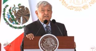 """López Obrador deslinda al Ejército de """"la mafia del poder"""""""