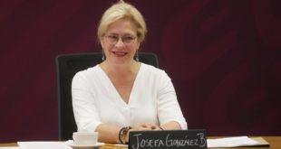 Renuncia Josefa González Blanco, secretaria de Medio Ambiente