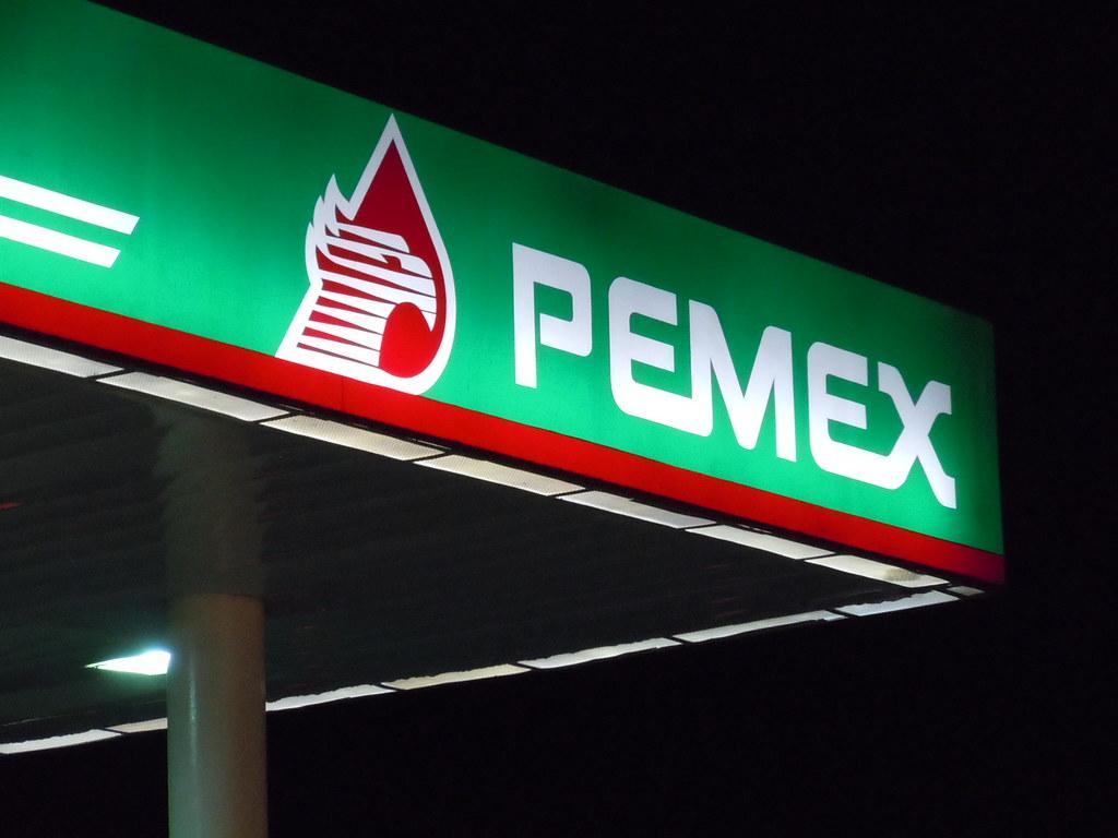 Bancos confían en desempeño de Pemex: AMLO