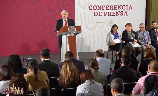 """AMLO, """"tranquilo"""" pese a cifras sobre la producción de Pemex en mayo"""