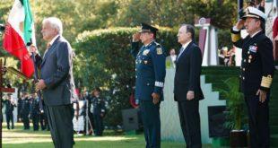 Abandera AMLO a la Guardia Nacional; mañana arranca oficialmente