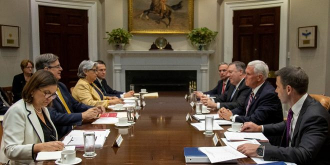 Considera EU retardar tarifas contra México
