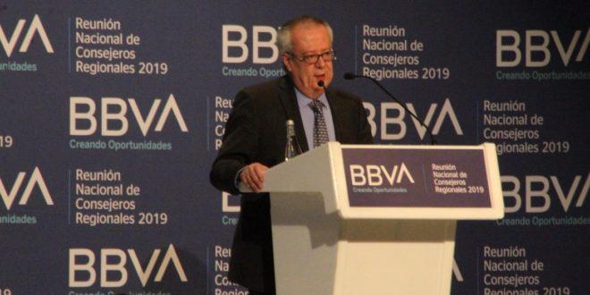 Para acabar con la corrupción, Carlos Urzúa sugiere una economía sin dinero