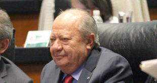 Denuncia UIF a Romero Deschamps por enriquecimiento ilícito y lavado de dinero