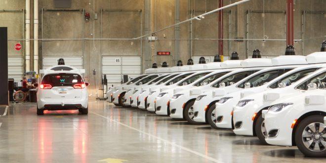 California da permiso a Waymo para transportar pasajeros en coches autónomos