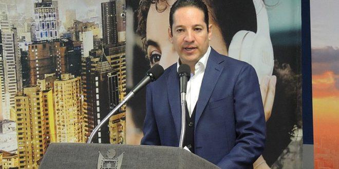 Deslinda UIF a Francisco Domínguez y Kuri González de caso Collado